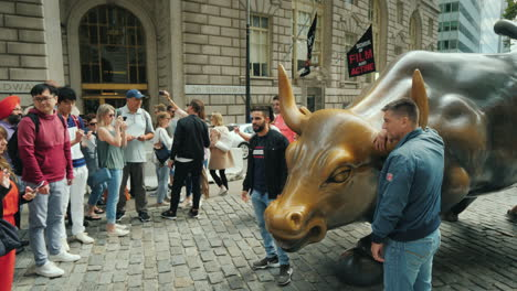 The-Statue-Of-An-Attacking-Bull-Also-Known-As-A-Bull-On-Wall-Street-Depicts-A-Powerful-Enraged-Bull-