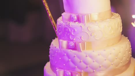 Close-Up-Of-Wedding-Cake-At-Reception