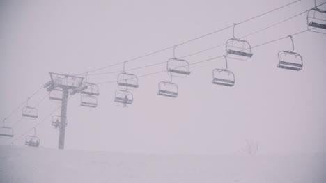 Gondola-Ski-Lift-In-Winter-At-Ski-Slope
