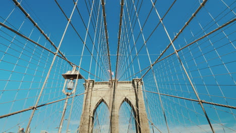 Walk-On-The-Brooklyn-Bridge-First-Person-View