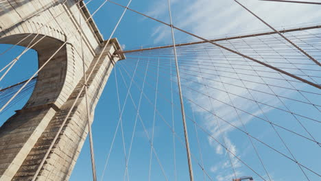 Dizzying-First-Person-View-Of-The-Brooklyn-Bridge-In-New-York