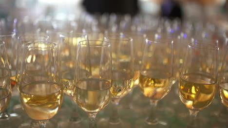 New-Year-Champagne-Flutes