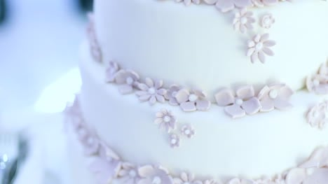 Wedding-Cake-At-Wedding-Reception-