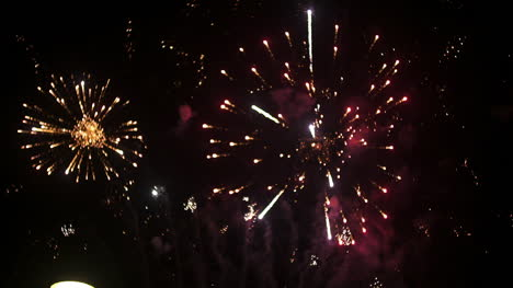 Fireworks-At-The-Beginning-Of-The-New-Year-In-Black-Night-1