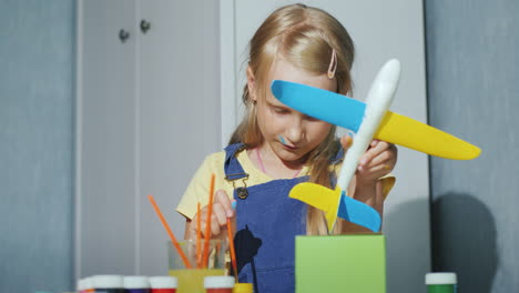 Cool-Girl-Paints-A-Toy-Airplane-Educational-Games-For-Children-4K-Video