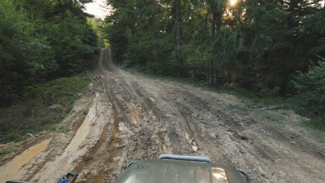 Extreme-Off-Road-Driving-And-Puddles-Off-Road-Safaris-In-The-Forest