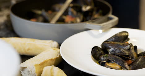 Chef-Is-Decorating-The-Mussel-Dish-1
