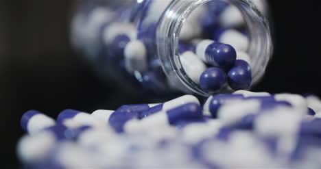 Medical-Tablets-And-Pills-Rotating-Pharmaceutical-Industry-16