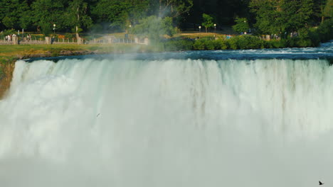 Niagara-River-And-Niagara-Falls-New-York-State-Attractions