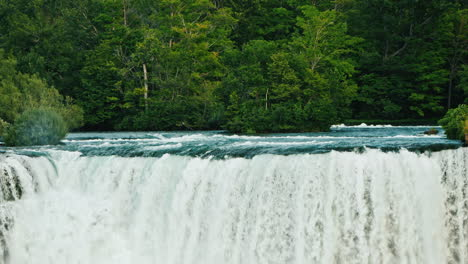 Niagara-River-And-Niagara-Falls---Beautiful-Landscape-With-Forest-And-River-4K-Video