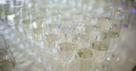 New-Year-Champagne-Flutes-2