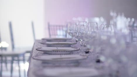 Luxury-Decorated-Table-For-Wedding-Dinner-1