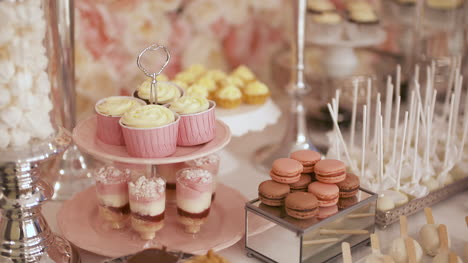 Cute-Candy-Bar-With-Various-Cakes-And-Candies-Wedding-Candybar-3