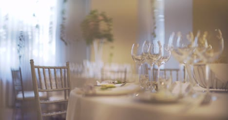 Decorated-Table-For-Wedding-Dinner-2