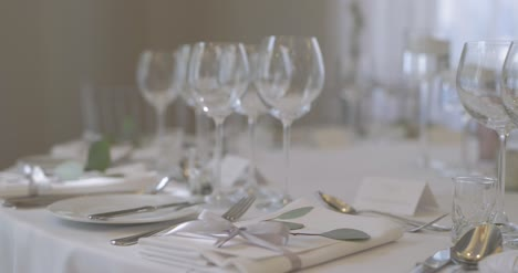 Decorated-Table-For-Wedding-Dinner-4