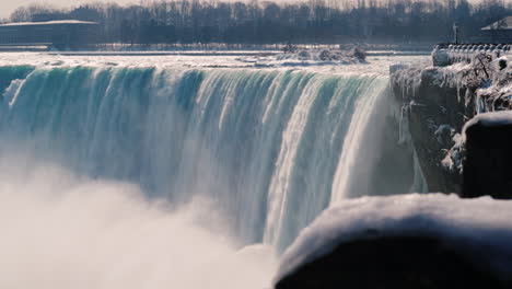 Winter-At-Niagara-Falls-4K-Video-07