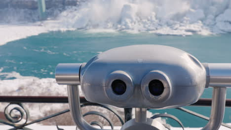 Binoculars-Overlooking-The-Frozen-Niagara-Falls-4K-Video