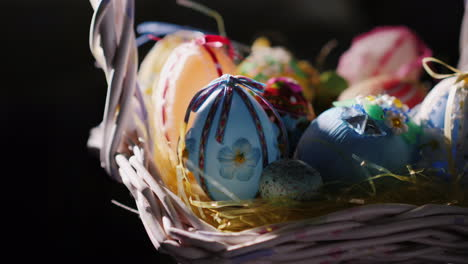 Basket-With-Decorative-Easter-Eggs-09
