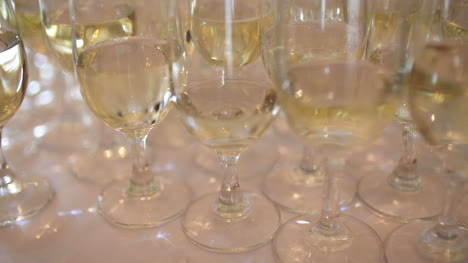 Champagne-Many-Champagne-Flutes-With-Sparkling-Champagne-4