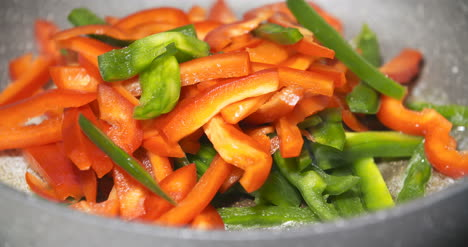 Close-Up-Of-A-Pan-Fry-Meal-Of-Delicious-Colorful-Vegetables