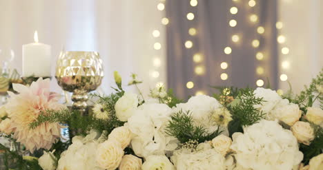 Table-Decorations-At-A-Wedding-2
