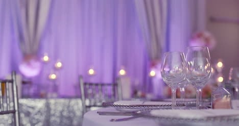 Luxury-Decorated-Table-For-Wedding-Dinner-9