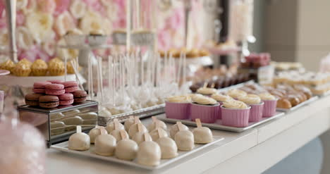 Cute-Candy-Bar-With-Various-Cakes-And-Candies-Wedding-Candybar-4