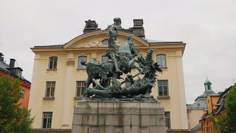 Saint-George-And-The-Dragon-Statue-Gamla-Stan-Steadicam-Shot