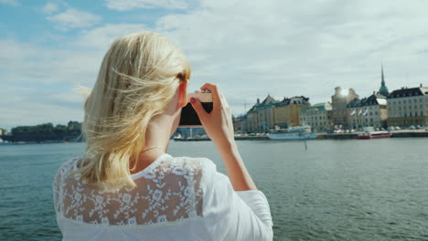A-Young-Tourist-Photographs-Beautiful-Views-Of-Stockholm-With-A-Retro-Camera