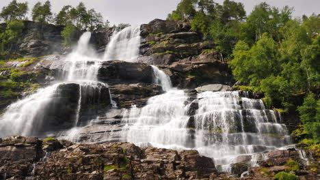 A-Popular-Tourist-Destination-In-Norway-Is---The-Waterfall-Of-Twindefossen-4k-Video