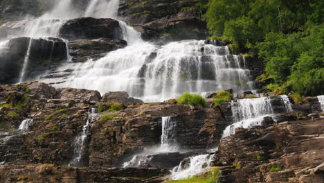 The-Majestic-Nature-Of-Norway---The-Waterfall-Of-Twindefossen-4k-Video