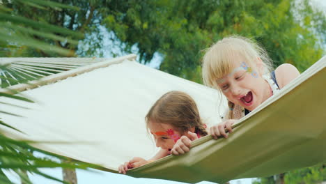 Funny-Children-s-Holidays-On-The-Seashore-Children-Frolic-Play-On-The-Hammock