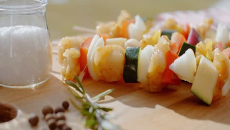 Four-vegetable-kabobs-on-cutting-board