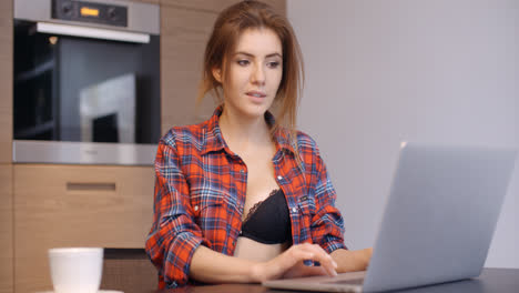 Casual-Dressed-Beautiful-Girl-With-Laptop