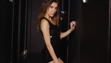 Sexy-Well-Dressed-Woman-in-Darkness