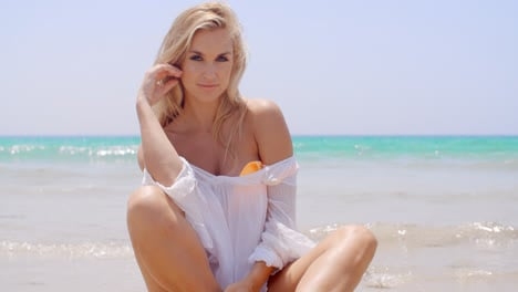 Sexy-Woman-at-the-Beach-Smiling-at-the-Camera