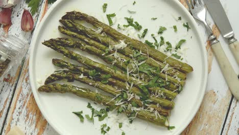 Roasted-asparagus-with-parmesan-cheese-and-parsley-Healthy-spring-food-concept-View-from-above-