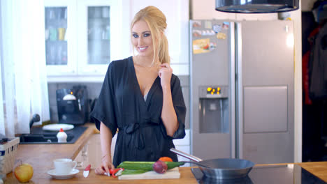 Pretty-stylish-housewife-in-the-kitchen