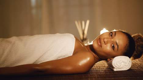 Woman-Relaxing-In-A-Spa-Situation