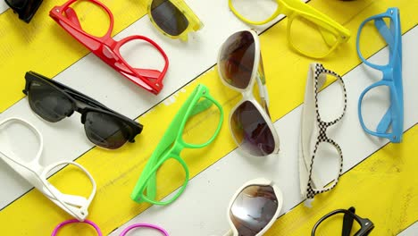 Collection-of-various-style-and-color-sunglasses-and-frames-captured-from-above-