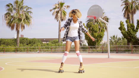Woman-in-roller-skates-on-basketball-court