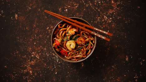 Traditional-asian-udon-stir-fry-noodles-with-shrimp