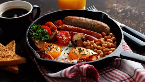 Full-English-breakfast-on-dark-rusty-background