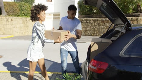 Young-couple-moving-home
