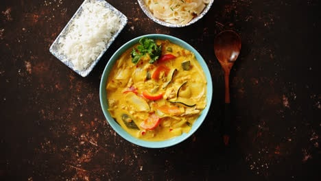 Traditional-Chinese-or-Thai-chicken-yellow-curry