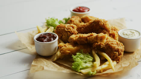 Fresh-sauces-near-fried-chicken-wings