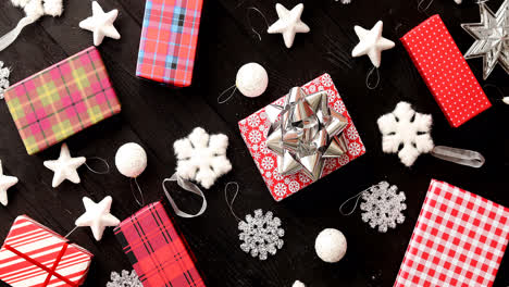 Christmas-gifts-and-decorations