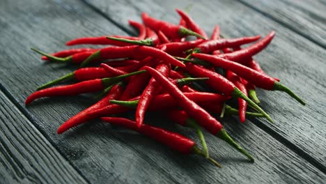 Heap-of-red-hot-peppers