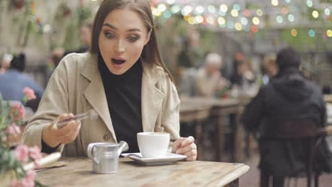 Girl-pouring-sugar-in-coffee