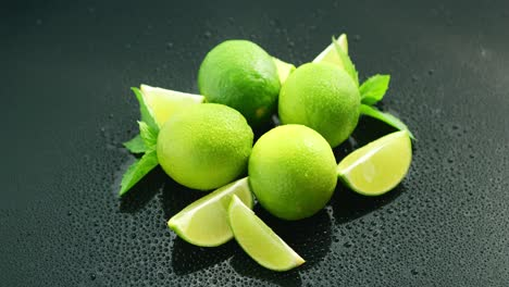 Ripe-green-limes-on-table